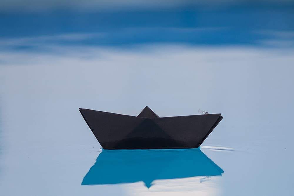 """""""Life without a defined purpose is similar to a boat without a crew in the middle of the ocean."""""""